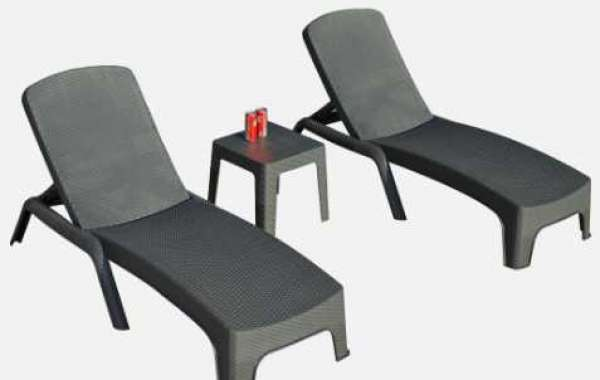 How To Choose Outdoor Chaise & Lounge Chairs