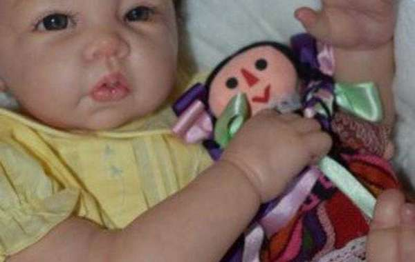 Woman Makes Silicone Baby Dolls That Look Like Living Newborns